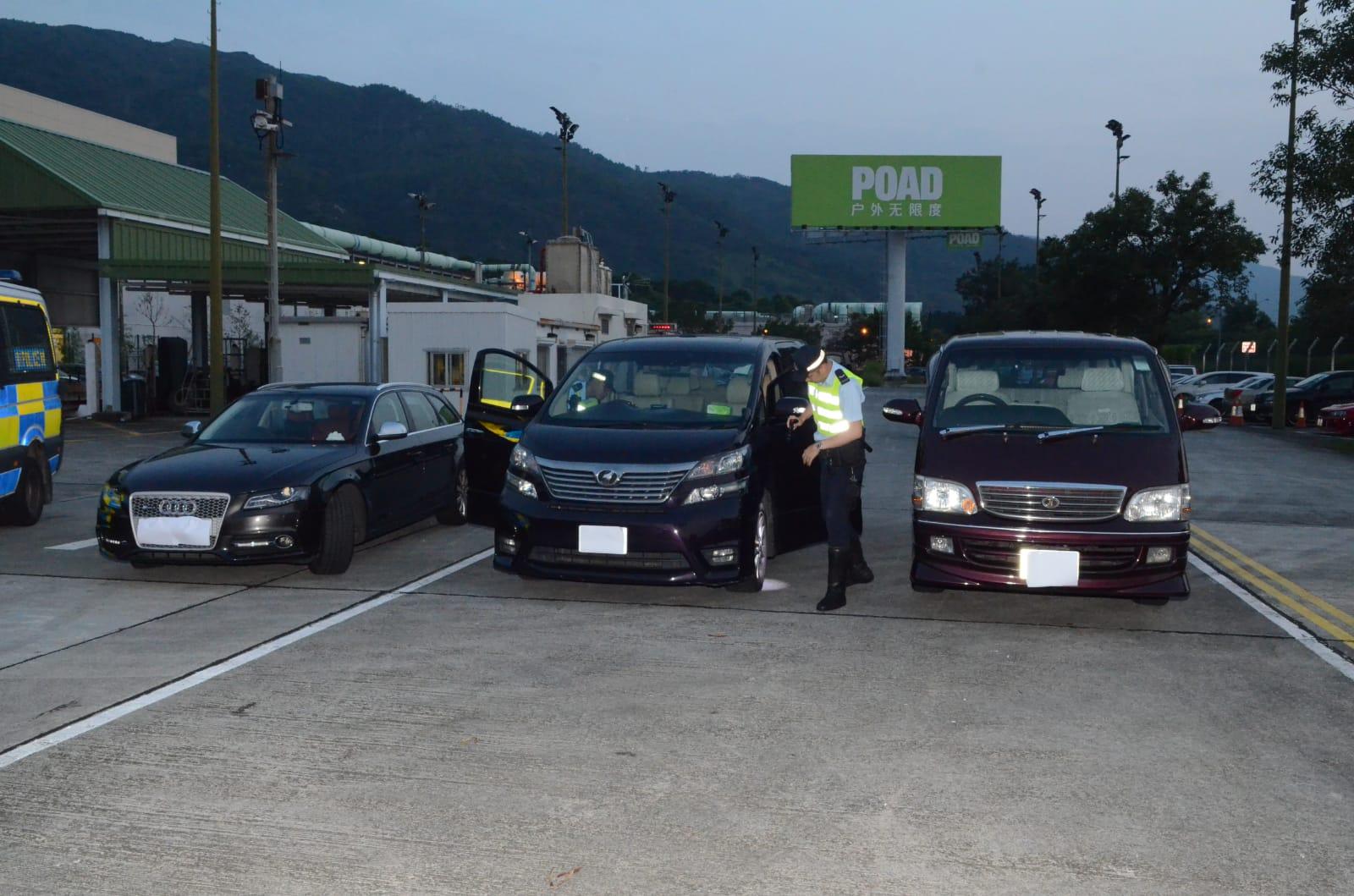 警方新界南總區交通部特遣隊人員,今早7時展開打擊非法駕駛汽車作出租用途的執法行動。