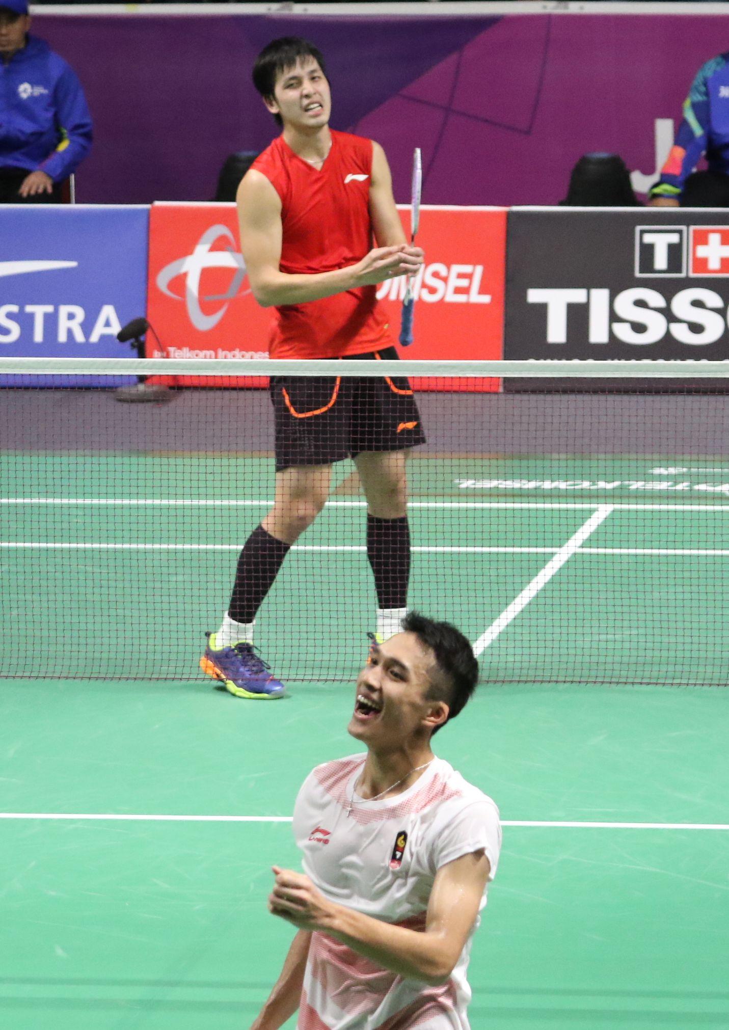 黃永棋(上)以局數0:2敗予印尼好手喬納坦,8強止步。王嘉豪攝