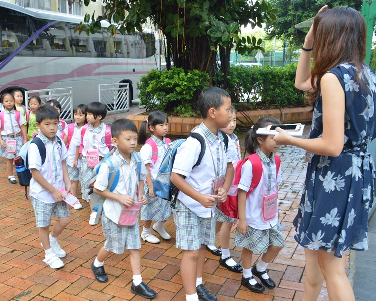 運輸署提醒新生開學日預留充裕乘車時間。資料圖片