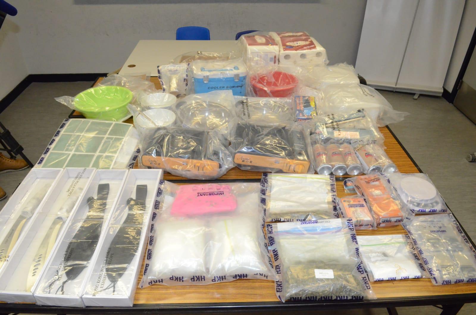 警方在一間村屋搜出大批可卡因、大麻花,毒品總值200多萬港元