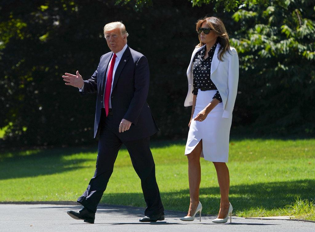 美國總統特朗普上周五 (24日) 前往哥倫布市出席活動,第一夫人梅拉尼婭亦有同行。AP圖片