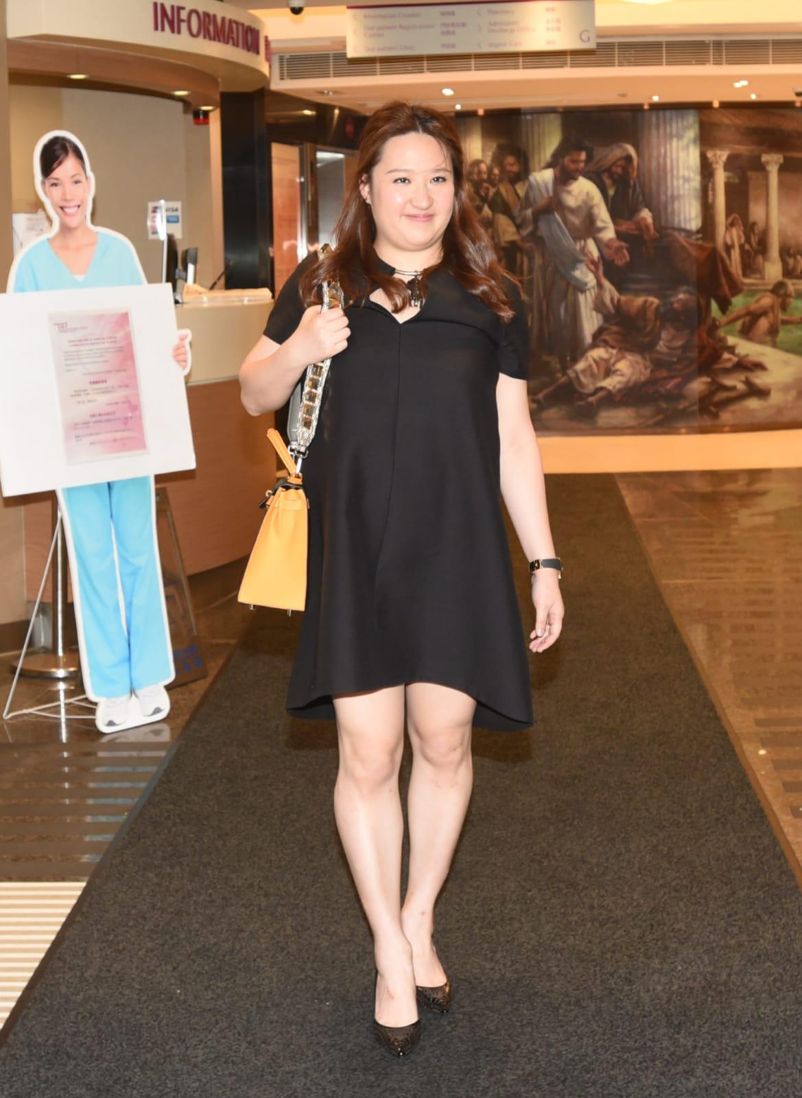 郭炳江女兒郭曉妍傍晚亦到醫院探望。徐裕民攝