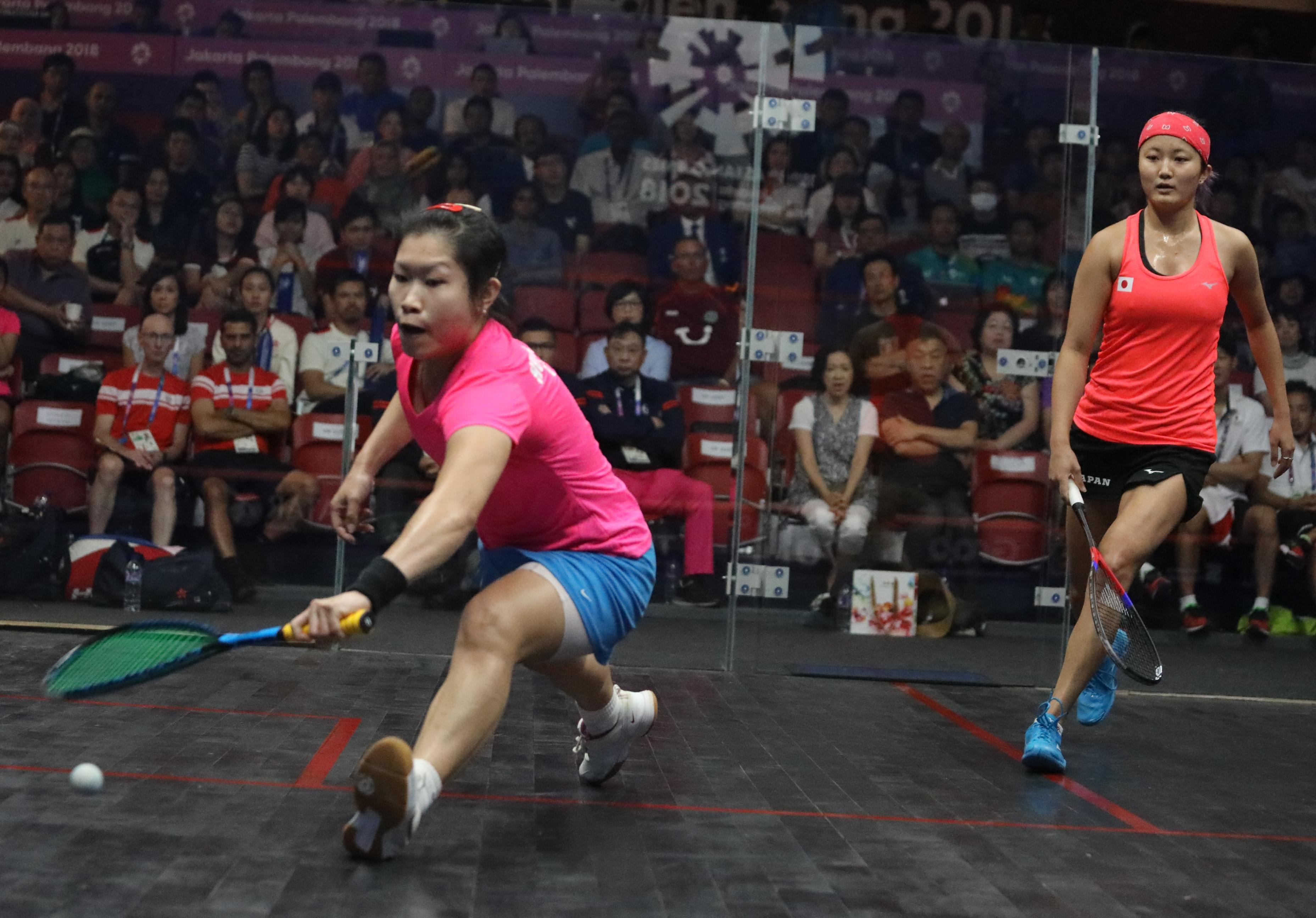 歐詠芝(左)率領香港女團殺入決賽,明天將與印度爭逐金牌。王嘉豪攝