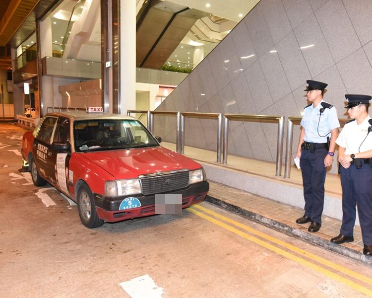 黑的涉濫收車資斷正被捕。