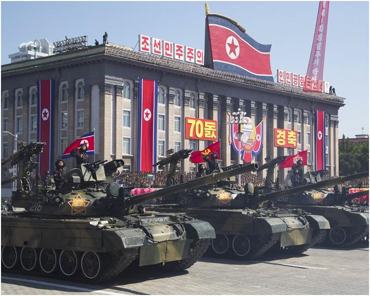 北韩今早举行了大型阅兵仪式。