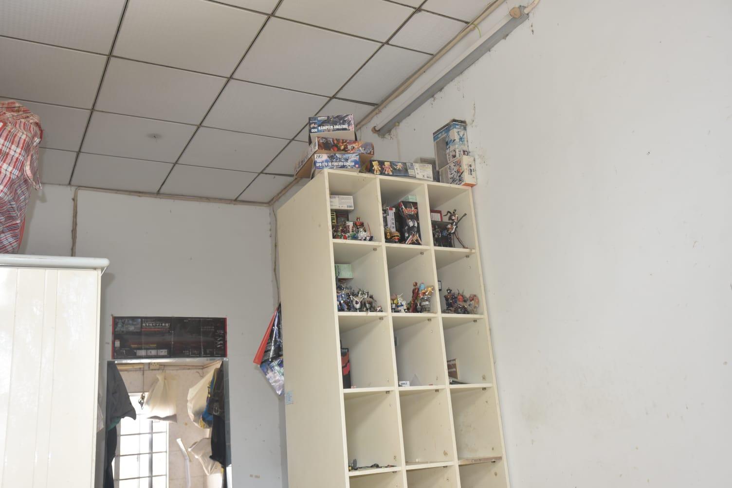 屋內置有飾物櫃。