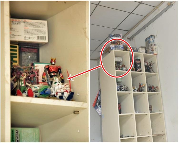 飾物櫃上放滿模型,包括高達。