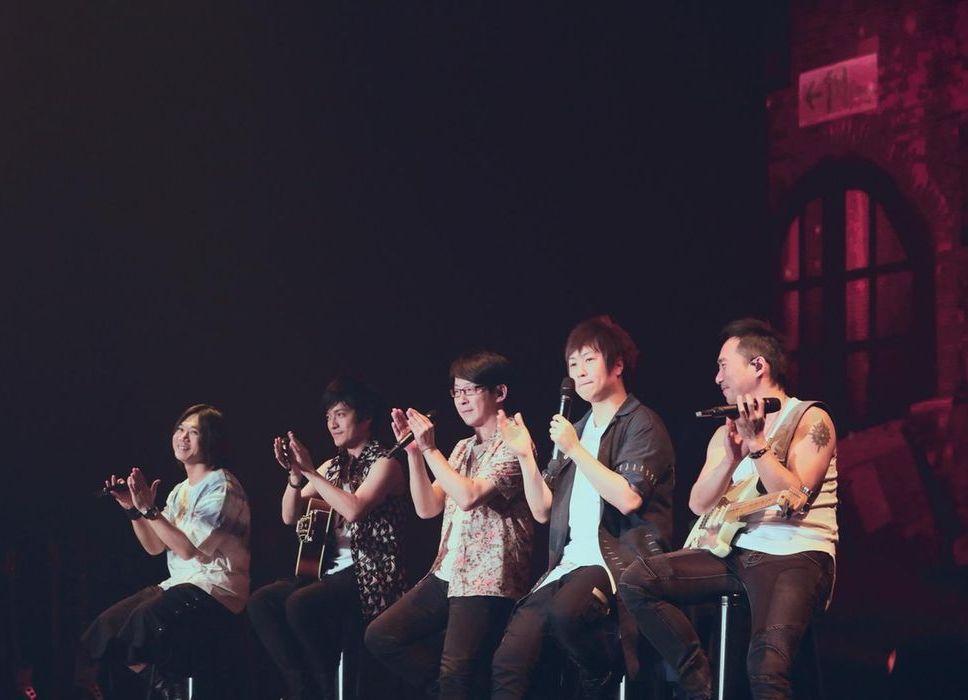 五月天特別學了韓文與歌迷打招呼。