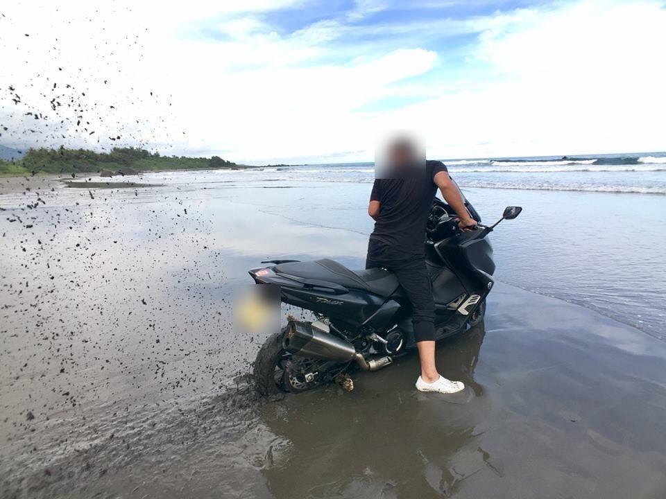 以電單車剷泥引起大批電單車愛好者不滿。facebook