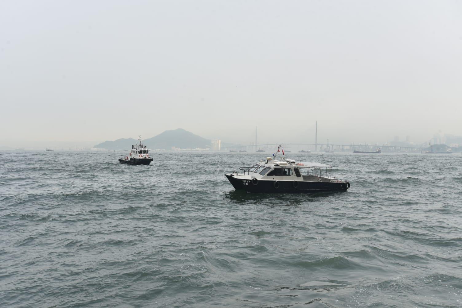 本港地區今日大致多雲,有幾陣狂風驟雨。