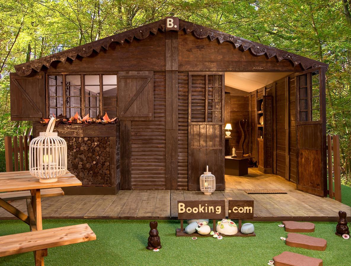 由知名朱古力大師Jean-Luc Decluzeau打造的「朱古力小屋」。(網圖)