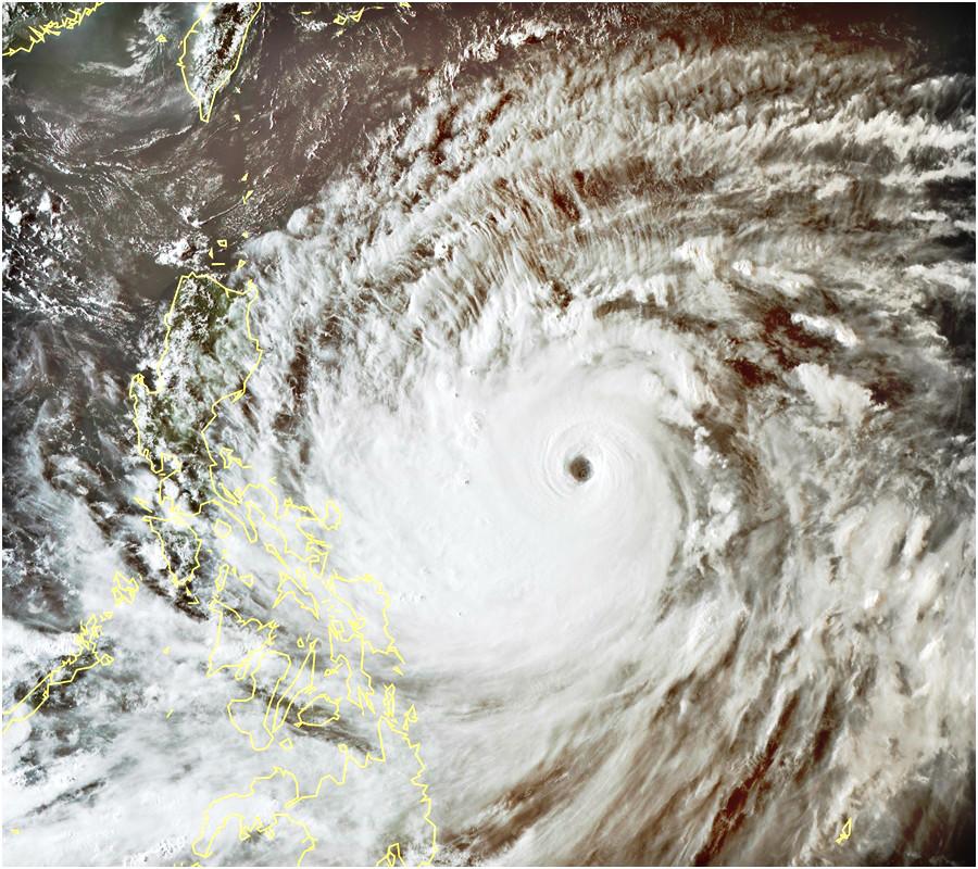 超強颱風山竹會在星期五及星期六移向呂宋一帶。日本氣象廳衛星雲圖