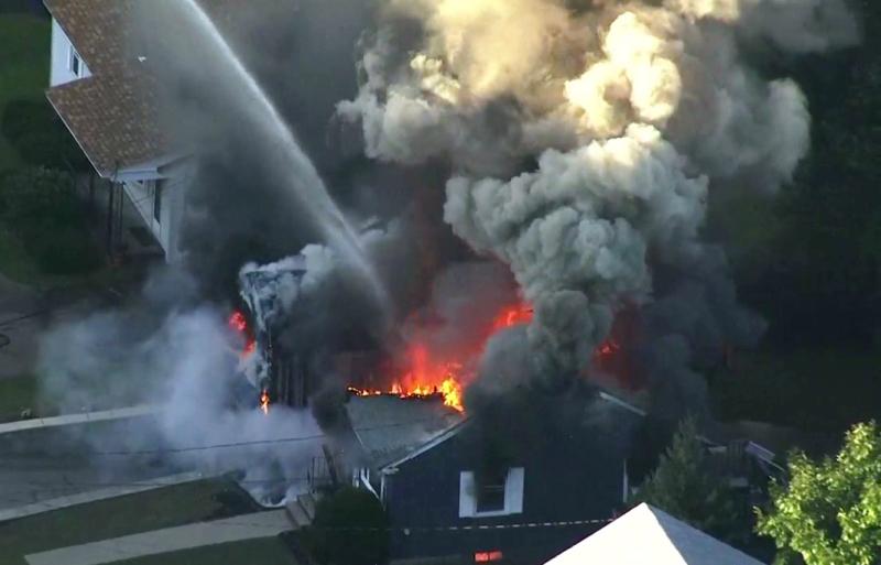 美国波士顿北部劳伦斯共70处地点,先后发生气体泄漏、爆炸及火警。 AP