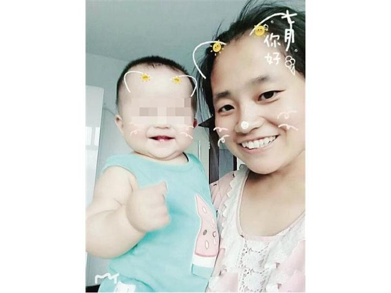 一名內蒙女老師車禍瞬間推開兩名學生,自己被撞身亡,留下一歲未夠的女兒。(網圖)