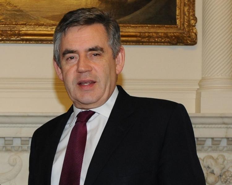 英國前首相白高敦警告,全球正在夢遊進入另一場金融危機的邊緣。
