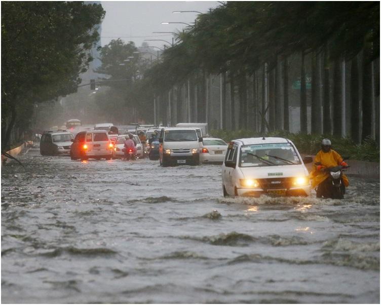 马尼拉也有部分地区停电及水浸。