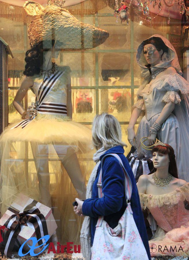 曼克顿区的Henri Bendel旗舰店已成为纽约商业历史一个标誌。