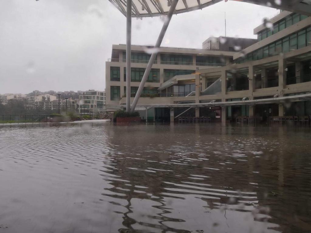 「山竹」吹襲期間,教育大學出現水浸。