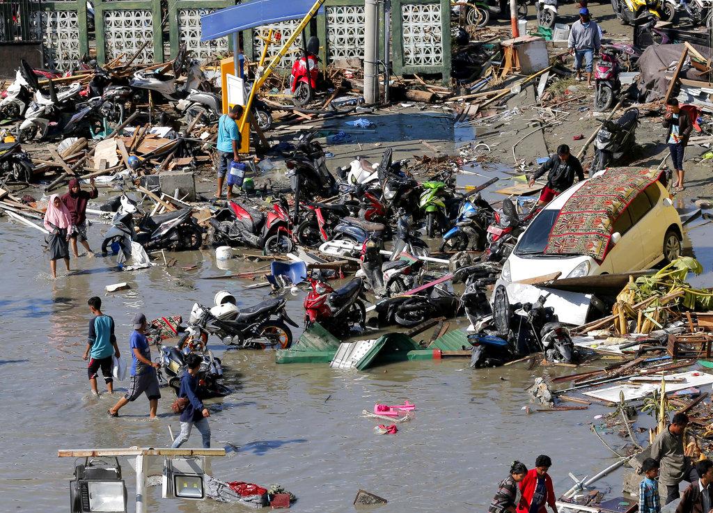 積水仍未退卻。AP圖片