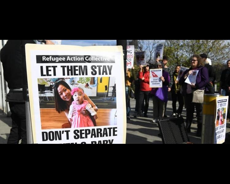 數十人在澳洲墨爾本聯邦巡迴法庭外示威。網圖