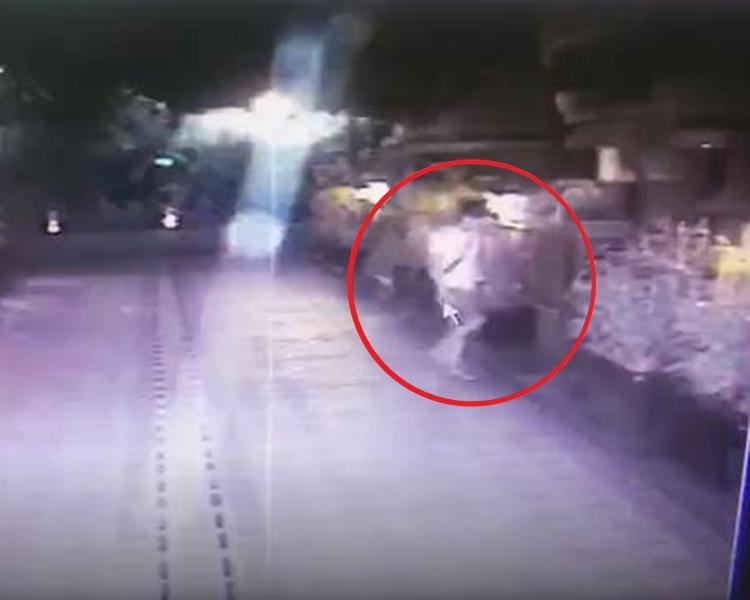 警方翻閱閉路電視畫面後認出陳男。