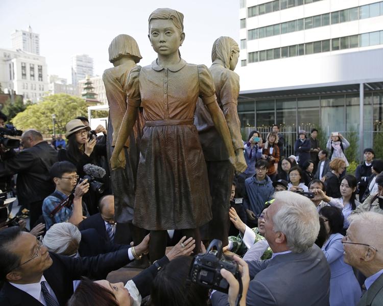 三藩市接受慰安婦雕像的捐贈,惹起大阪不滿。AP