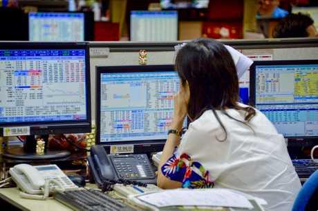上周環球股市表現疲弱,其中港股累跌逾1200點或4.38%,為近8個月以來最大單周跌幅。