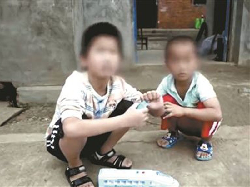 六名孩子中兩個兒子說,父親常常捆着他們,還被吊起來打。(網圖)