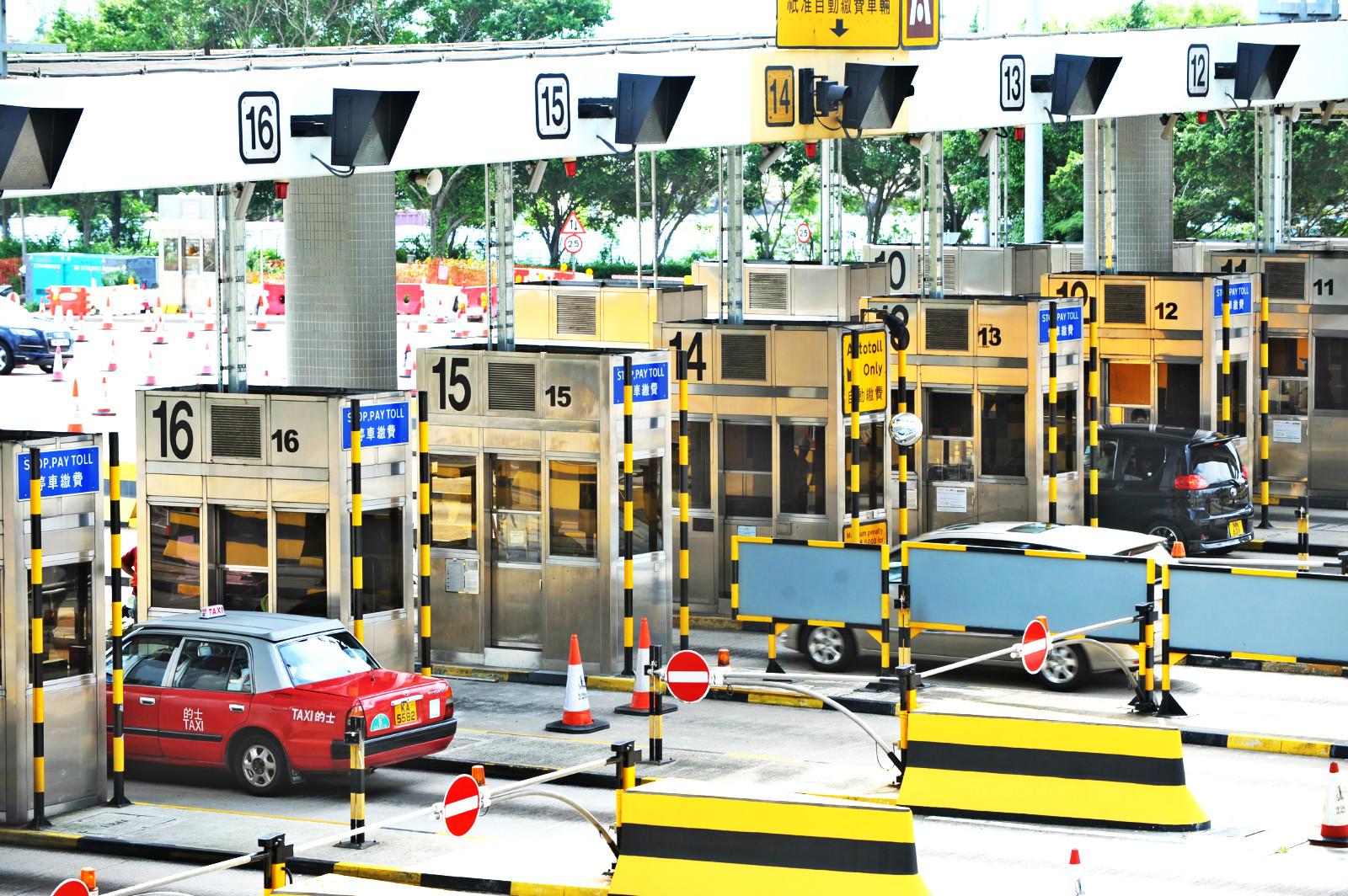 政府建議代繳專營巴士使用西隧的隧道費。資料圖片