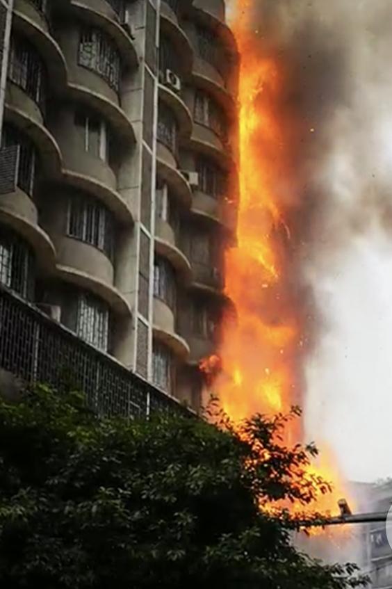 大火迅即由3樓蔓延至7樓。網圖