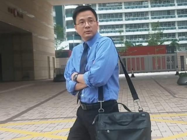 證人黃振江醫生。