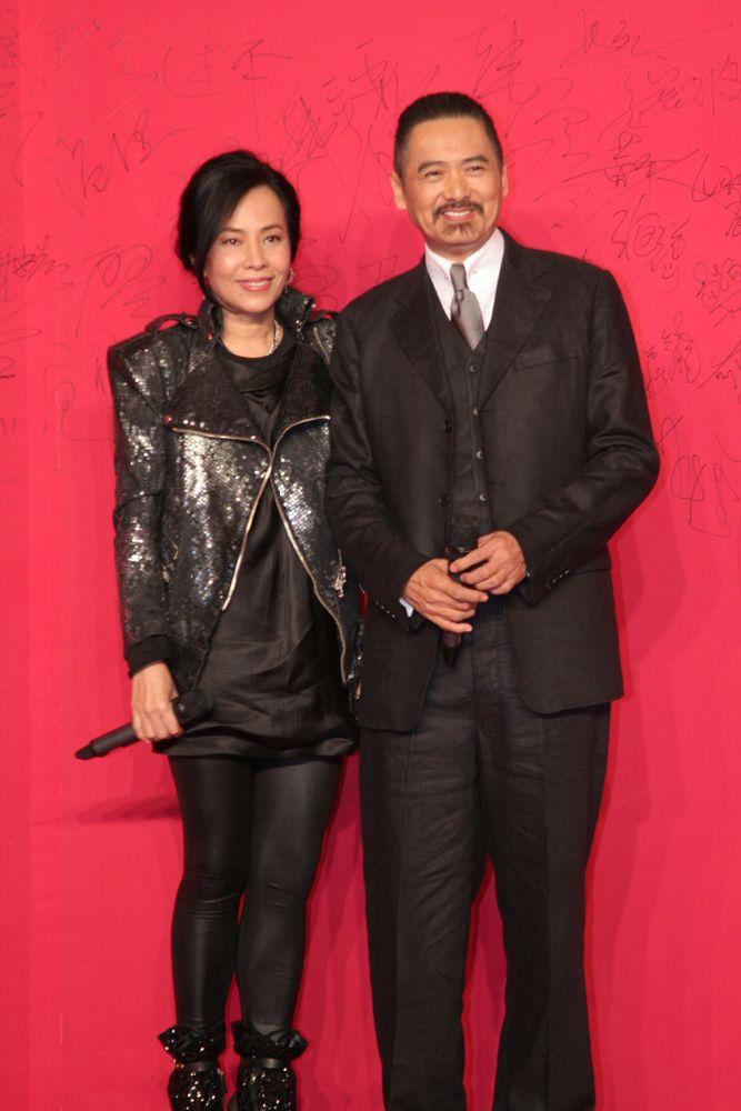 2010年底發哥同發嫂在北京首映禮上有談及收信的事。(資料圖片)