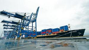 【中國經濟】海關總署料末季內地外貿增速或放緩