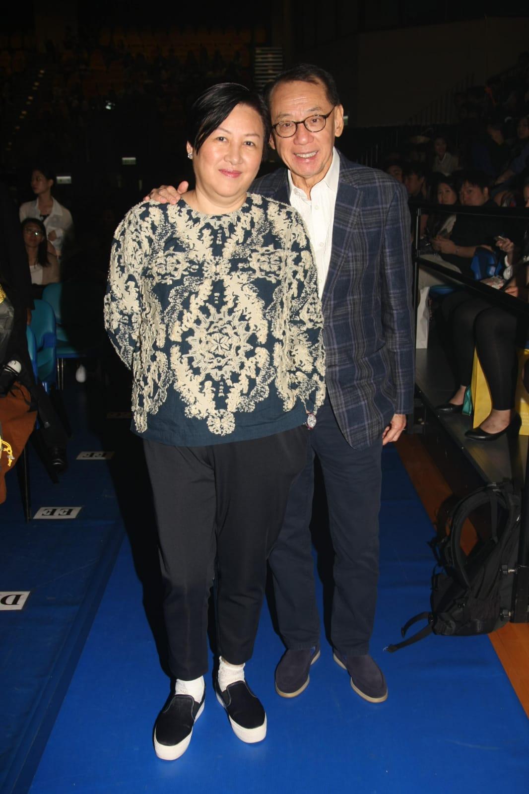 楊受成與太太一起到場欣賞演出。
