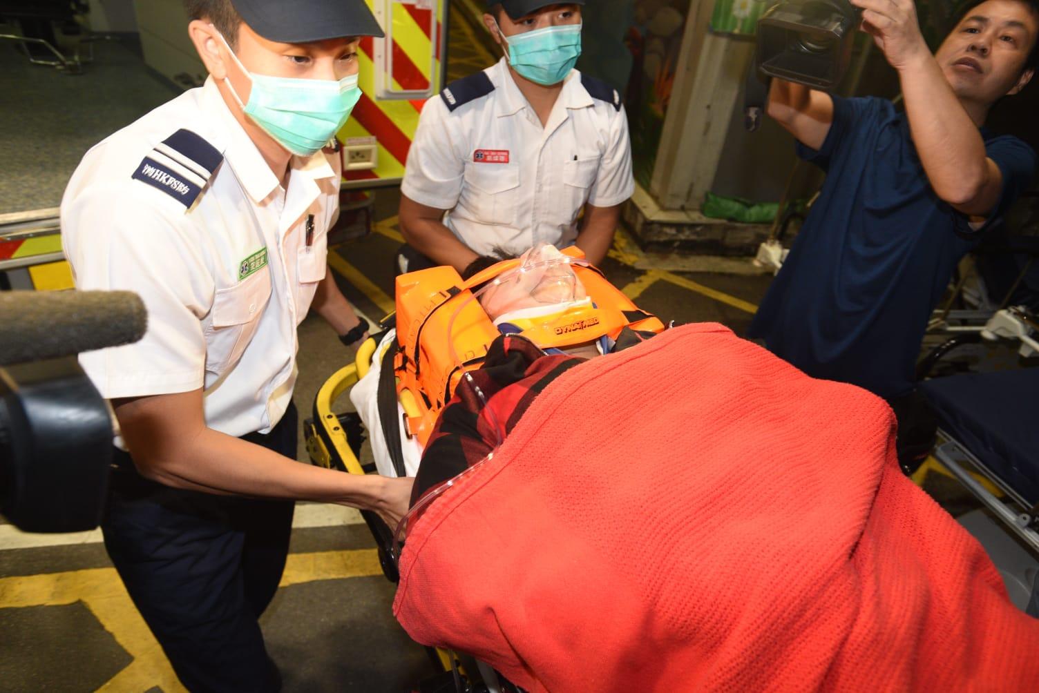 20歲姓何女事主受傷送院。