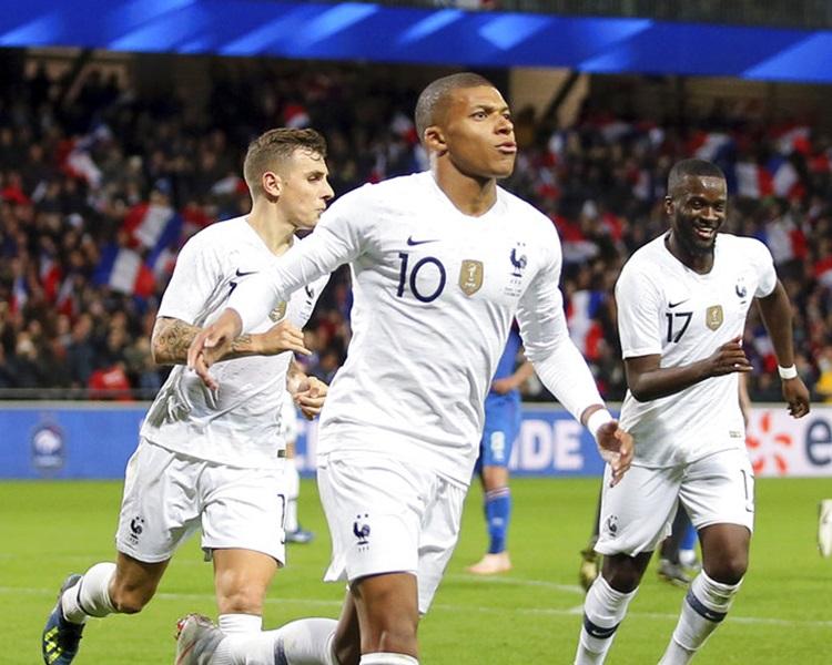 法國2:2逼和冰島。AP