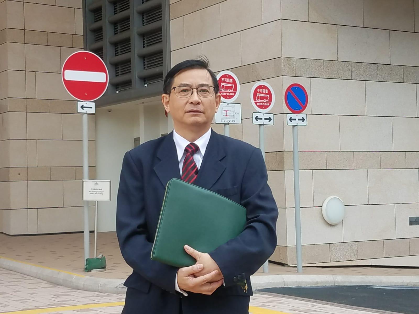 醫管局骨科服務統籌委員會主席李淵粦醫生。