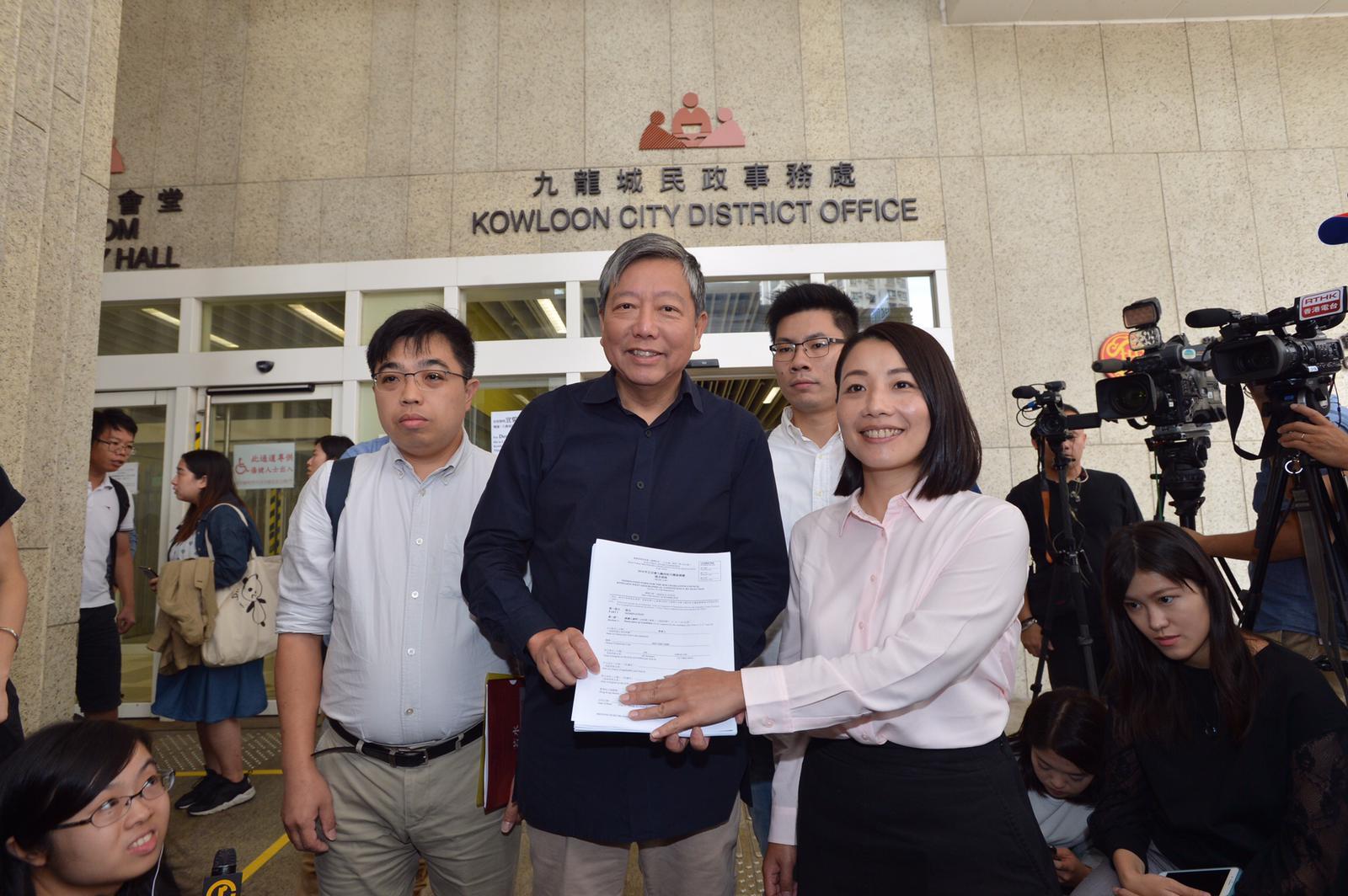 「Plan B」工黨副主席李卓人今日報名參選。