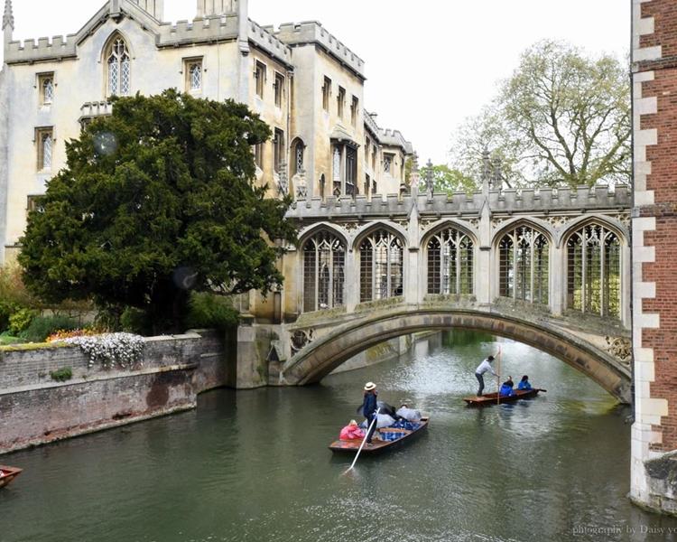 剑桥官方旅游管理服务机构近日表示,会考虑制定措施,限制中国游客数量。网民daisyyohoho图