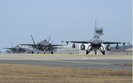 美国与南韩已暂停即将举行的防空演习。