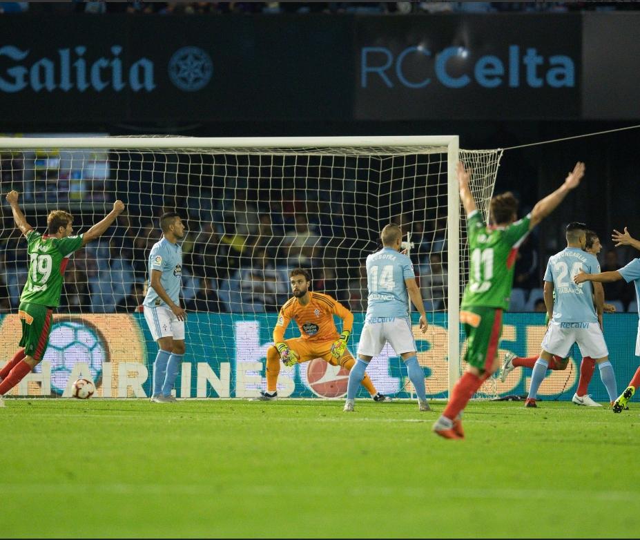 湯馬士賓拿近門射入奠定勝局一球。艾拉維斯Twitter圖片