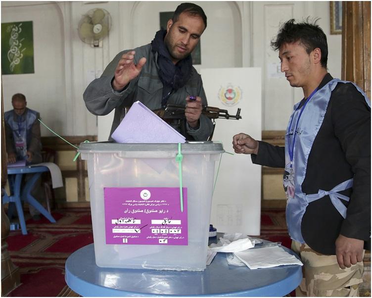 投票前国内不同地区发生一连串血腥袭击事件。