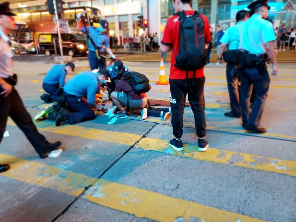 路人受傷倒地。網民Stephy Chan圖片突發事故報料區
