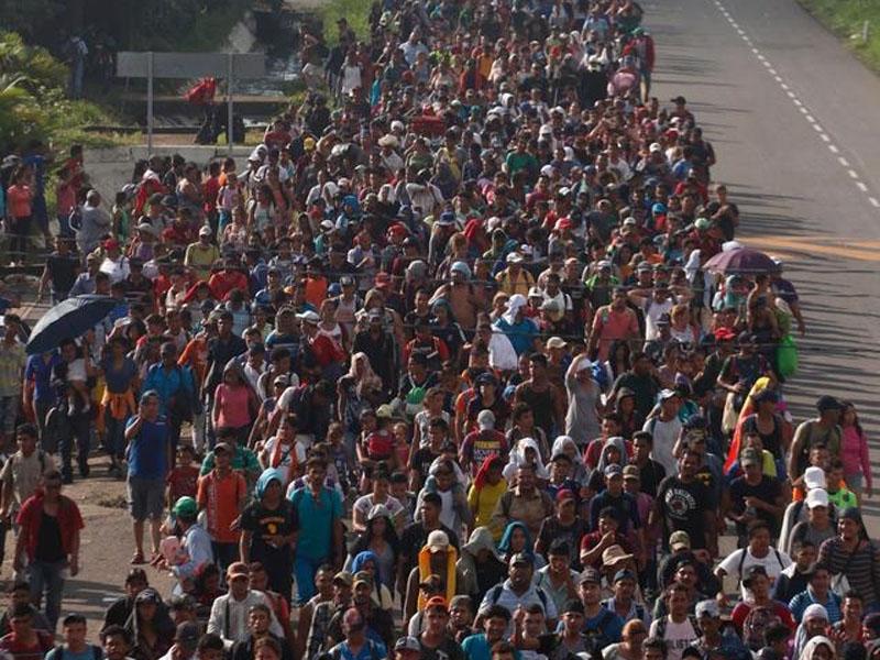 聯合國估計逾7千名中美洲難民沿墨西可北上美國。AP