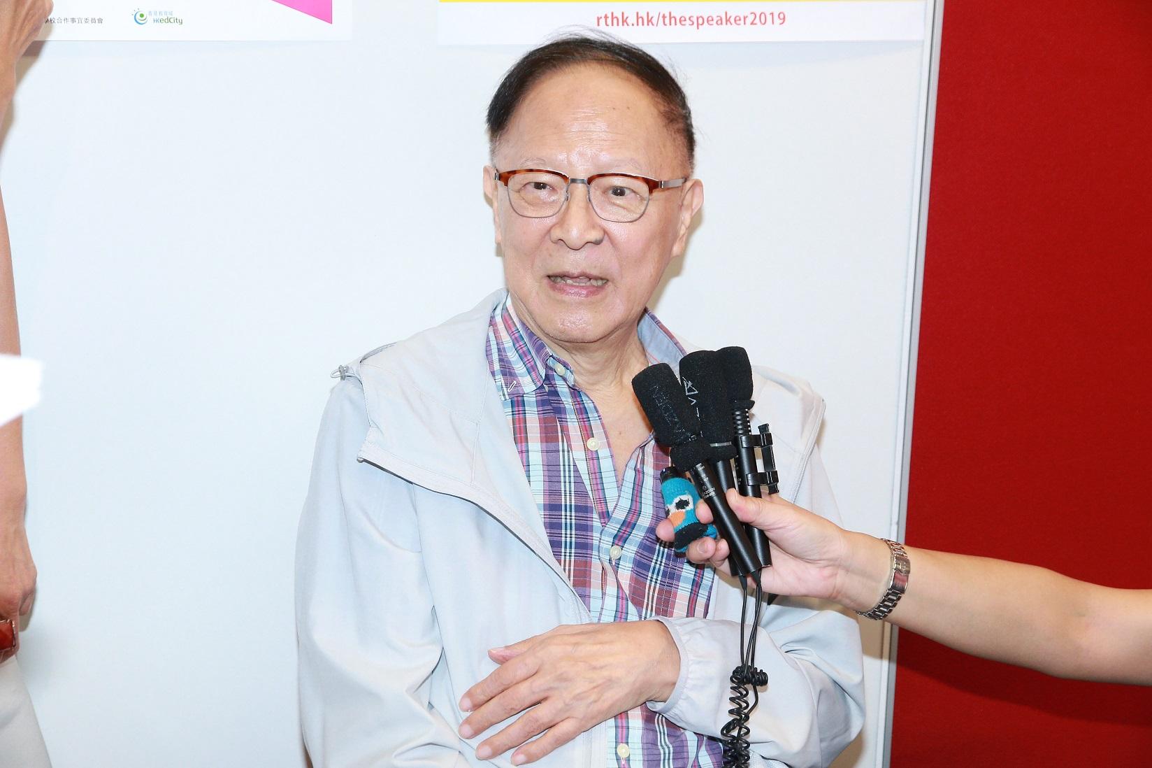 鍾景輝多年來醉心表演藝術,致力推動藝術教育,對香港表演藝術貢獻良多。資料圖片