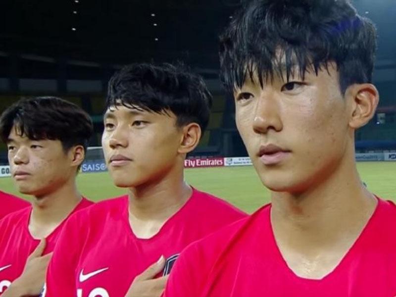 一場U19亞洲錦標賽前,印尼主辦方居然誤播朝鮮國歌,韓國國腳表情尷尬。(網圖)