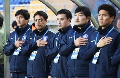 印尼主辦方誤播朝鮮國歌,韓國教練組不知所措。(網圖)