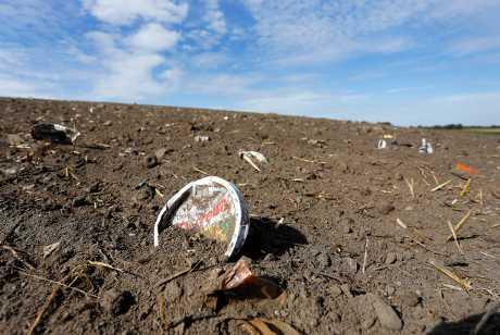 欧盟所有成员国禁止使用即弃塑胶製品,以遏止海洋污染。