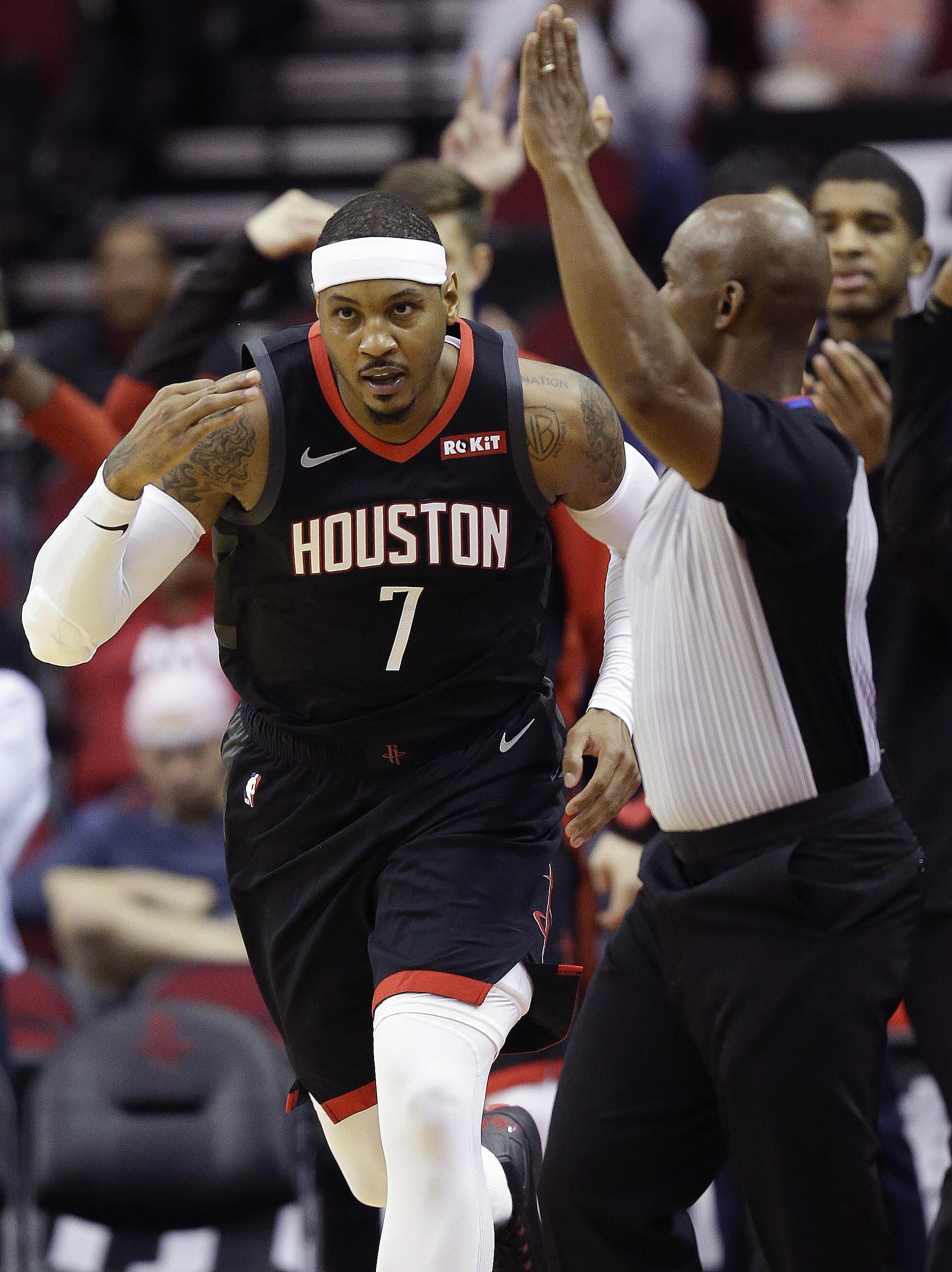 安東尼首任正選,得廿四分及兩個籃板。AP