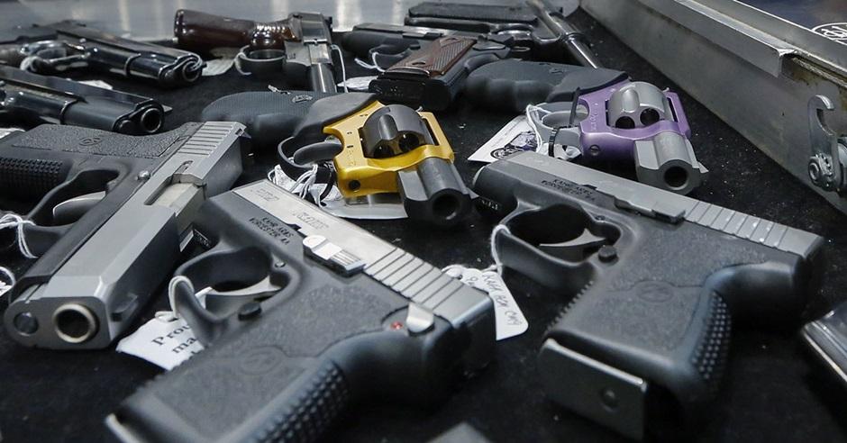 美國醫學會指出,美國平均每年有8300名18歲以下青少年因槍械暴力受傷。AP